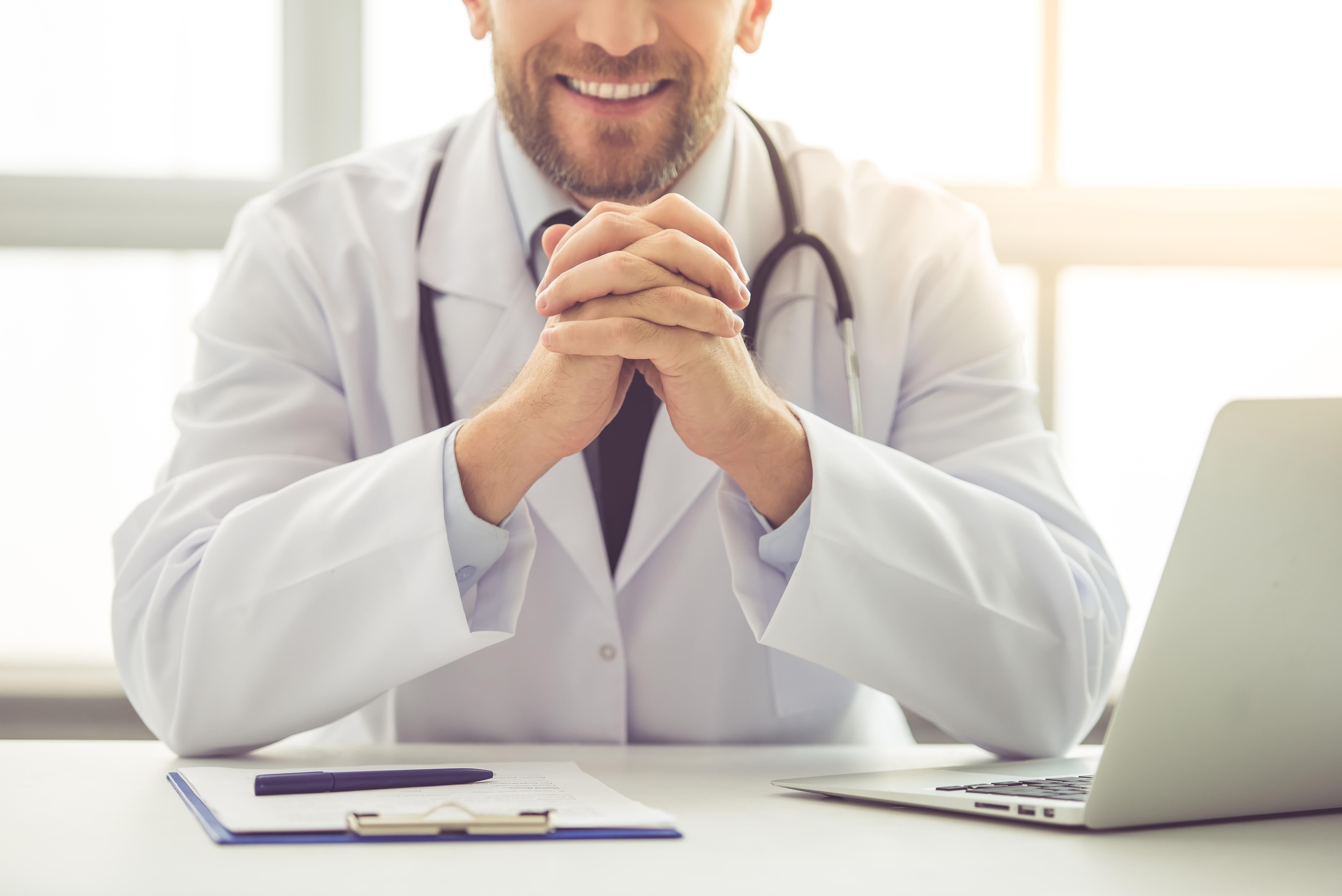 handsome-medical-doctor-YNCAMPL